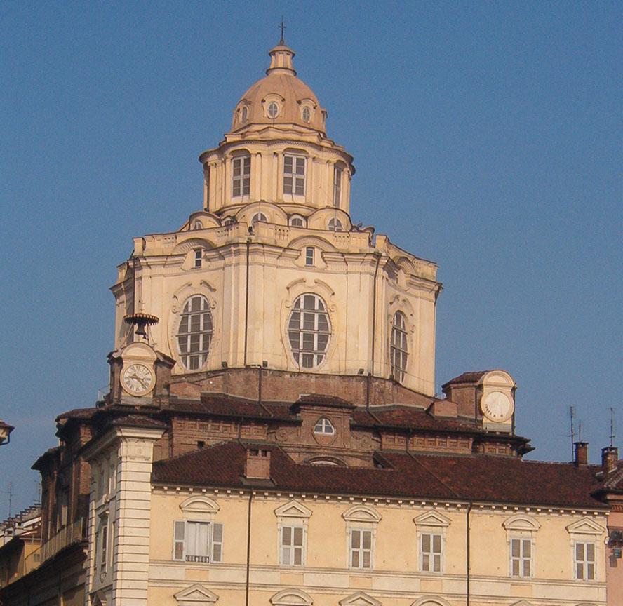 Chiesa_di_san_lorenzo_torino3